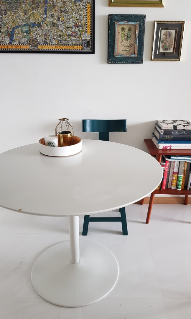 Cb2 White Round Dining Table Furniture Tables Chairs On Carousell