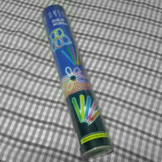 Glow Sticks - 50 Sticks