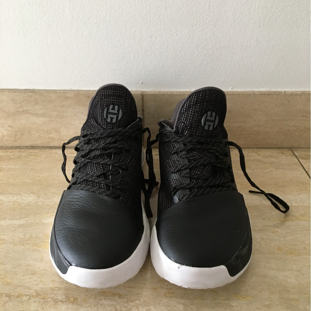 the latest 77c5f 6ff6e Harden Vol 1 Core Black (only worn once) - US 8.5, Men s Fashion ...