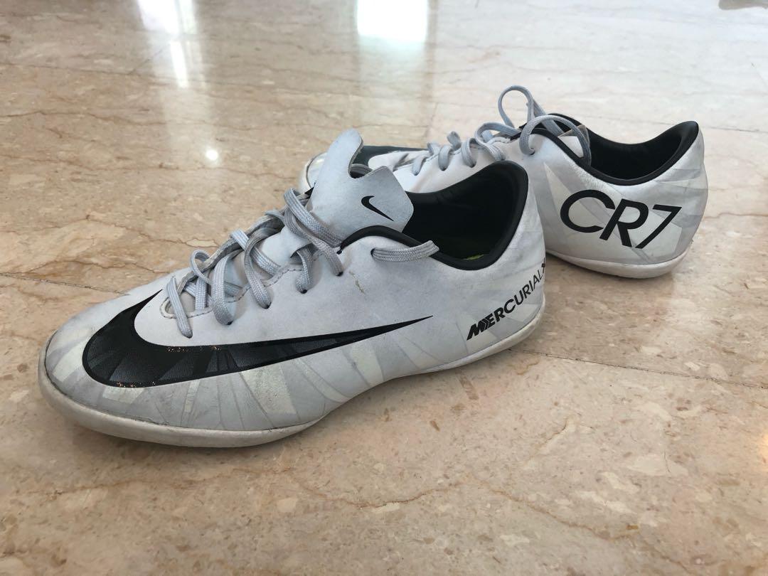 b43797e1a Nike CR7 Mercurial indoor court sneaker kids