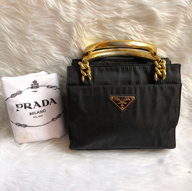 Sale!!!! 💯 Authentic Prada handbag e6a1dabb9f41c