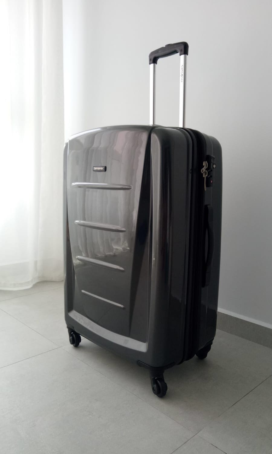 Samsonite Sigma 76cm Expandable Spinner Hard Cover Luggage