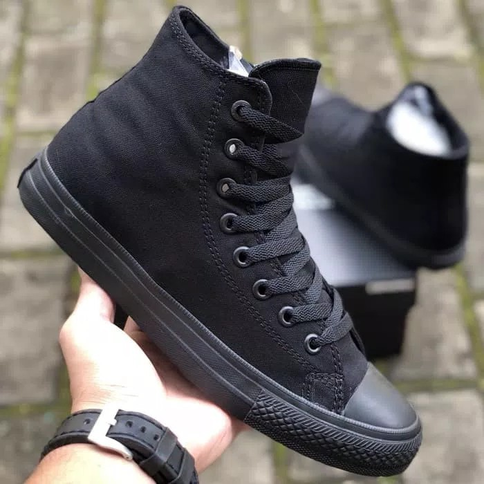 Sepatu Converse Chuck Taylor II CT2 Lunarlon All Star High all black ... fae214cf1