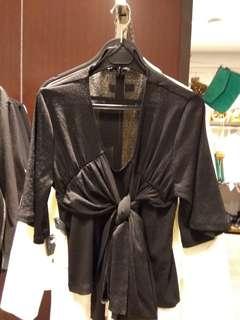 Zara atasan hitam buat cewe