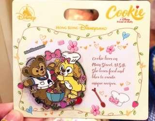 限量 香港迪士尼 Duffy和新朋友cookie 收藏徽章 胸针