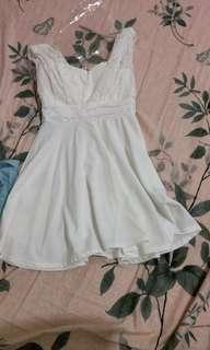 🚚 白色洋裝