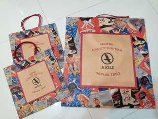 AIGLE  紙袋 大size x 1, 細size x 2  及  Chocoolate 紙袋大size x1