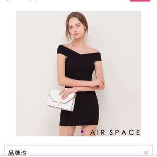 🚚 一字領 包臀 黑洋裝