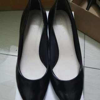 Vincci high heel  glossy black 5