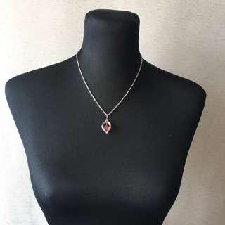 (001) Vintage necklace: leaf with carnelian pendant