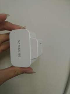 Samsung 充電器