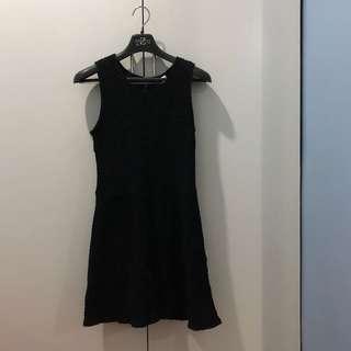 H&M Divided Sleeveless Textured Dress