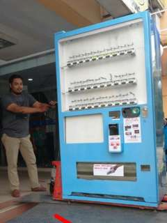 VENDING MACHINES FOR SALE (REFURBISHED)