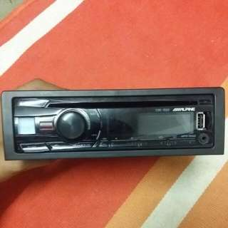 ORIGINAL ALPINE CD USB AUX PLAYER