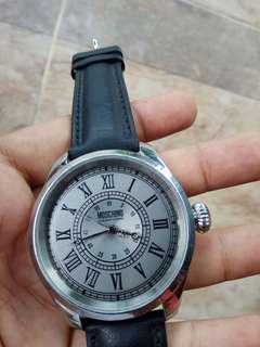 Jam tangan moschino