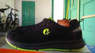 Sepatu Sport Merk Phoenix