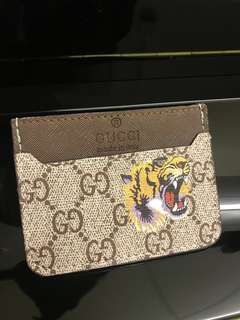 仿真Gucci老虎卡片套Tiger Print GG Supreme Card Case Replica