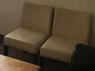 2個椅子(不含木桌)台北自取