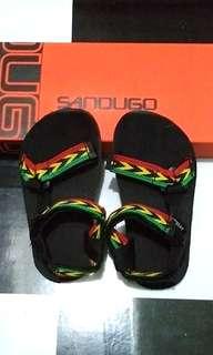 Sandugo Hiking Sandals