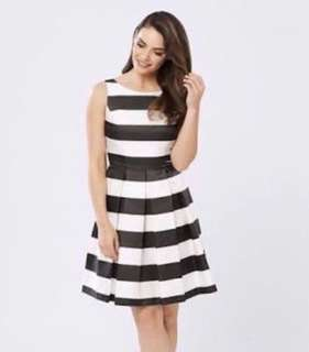 Review dress 'New York' Size 8