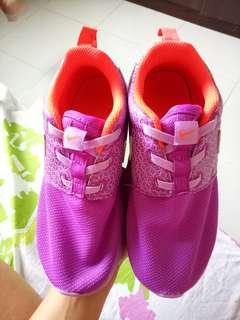 Nike Roshe run for Girls