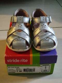 Stride Rite Preloved Shoes. Condition 9/10