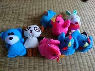 🚚 一堆小玩偶
