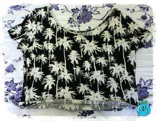 HM Cropped Palm Tree Print Top