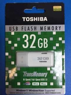 USB 2.0 32GB TOSHIBA HAYABUSA UHYBS-032G
