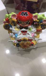 Fortune Cat that bring Wealth, Luck, Prosperity, Happiness