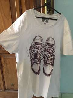 t-shirt by converse
