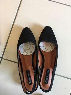 🚚 黑色尖頭鞋(僅試穿)