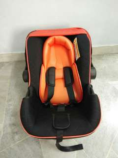 Santa Barbara Omni Infant Car Seat
