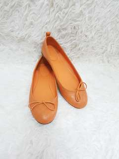 Authentic Flat shoes gucci yellow