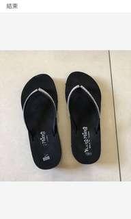 🚚 拖鞋24