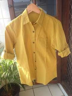 Preloved kemeja warna mustard (seperti baru)