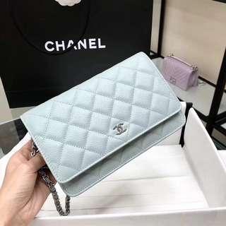 Chanel 粉藍側袋