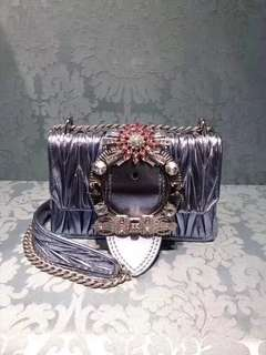 Miu Miu水晶袋