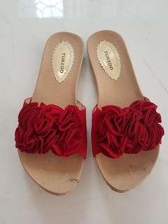 Sandal Bunga
