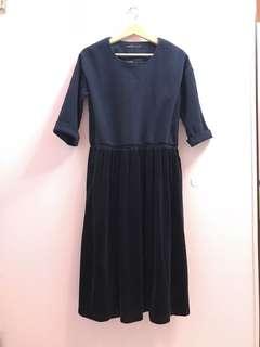 🚚 Queen Shop深藍天鵝絨連身裙(全新)