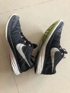 🚚 Nike flyknit lunar 3 oreo 26cm