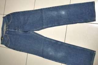 🚚 日本製皮標28腰Lee牛仔褲~152