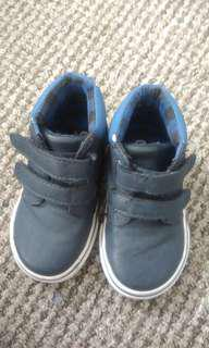 Blue high cut shoes for baby boy