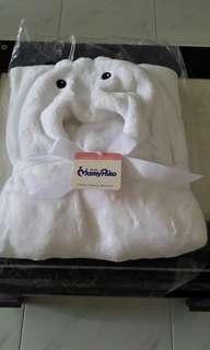 Mamy Poko fluffy fleece hoodie blanket