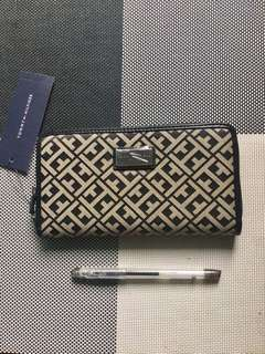 Authentic Tommy Hilfiger Wallet