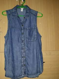 Closet clean up: Used once F21 sleeveless denim top M