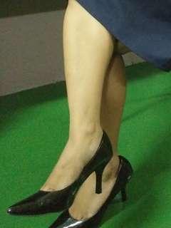black close shoes