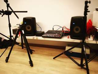 Studio Monitor and mixer for rental
