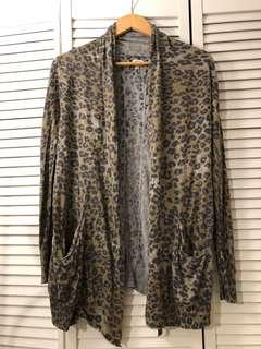 Aritzia Flaubert sweater size xs
