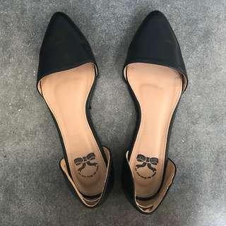 LITTLE THINGS SHE NEEDS Size 39 Sandal Sepatu Hitam